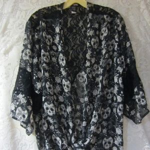 Hot topic over shirt black lace skulls size small